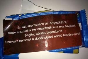 20141216orban-megette-a-tuntetok-csokijat
