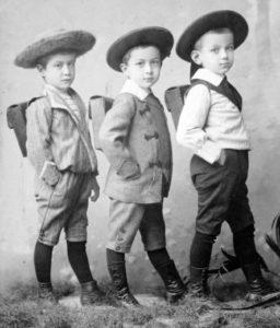1909_iskolas_fiuk